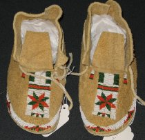 Image of 1998.214.001-.002 - Moccasin