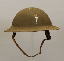 Image of 1973.134.014 - Helmet