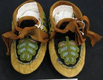 Image of 1975.159.023.1-.2 - Moccasin