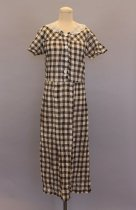 Image of 1990.100.243 - Dress