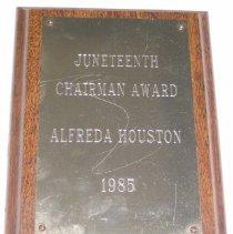 Image of 2004.02.6 - Plaque Awarded To Alfreda Houston