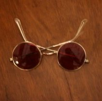 Image of 2013.005.18 - Eyeglasses