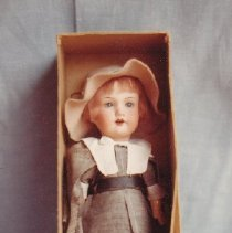 Image of 69.25.2.a,b - Pilgrim Doll, in Box