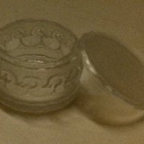 Image of 74.106.1a,b - Lalique Boite (Box)  Canards  (Ducks)