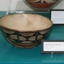 Image of 75.050 - Native American Pottery Bowl
