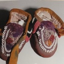 Image of 76.058.2 - Children's Native American Moccasin