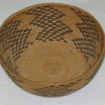 Image of 86.043.14 - Native American Basket