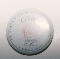 Image of 93.015.15 - Button, Utmb