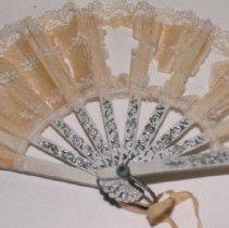 Image of 95.09 - Folding Doll's Fan