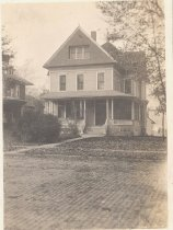 Image of Home located on 625 DeKalb Ave., Sycamore, Illinois - Photograph