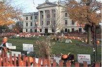 Image of Postcard - Pumpkins on Courthouse lawn, 2002