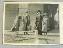 Image of John and Florence Thompson Family ready for travel - Photograph, Black-and-White