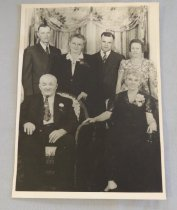 Image of John and Florence Thompson Family