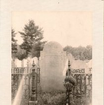 Image of Photo of Col. John Robinson's grave, by Charles Chamberlain,