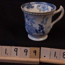 Image of W.1999.18m - Teacup