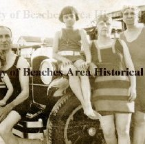 Image of The Goodale's on Pablo Beach - Majorie Goodale, dr. Banks H. Goodale , Helen Goodale and Mrs. Goodale on car in Pablo Beach