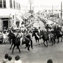 Image of 4th of July Parade, 1942