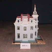 Image of side of dollhouse