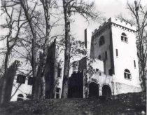 Image of Rossdhu Castle - Source: Courtesy Mrs. Carl English.