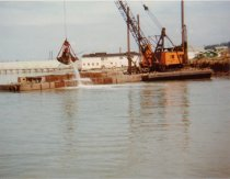 Image of 1992.025.019.007 - Dredge in Guemes Channel