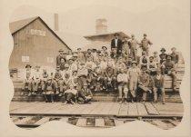 Image of Fidalgo Lumber crew 1914