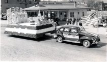 Image of 1940 Marineers' Pageant parade