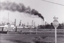 Image of 1997.067 - Texaco Refinery