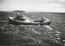 Image of 1997.097 - Fisherman gill netting