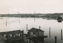 Image of 1997.300 - Olympia waterfront