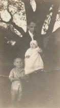 Image of SNYDER, Bert and children
