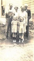 Image of Sharpe family 1941
