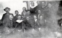 Image of Dewey School kids 1910