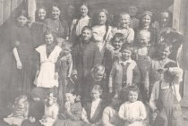 Image of Dewey School classmates 1911