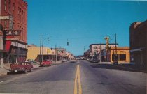 Image of 2000.057.017.009 - commercial Avenue at 8th looking north