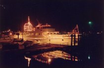 Image of CAIRDEA @ Christmas Boat Parade