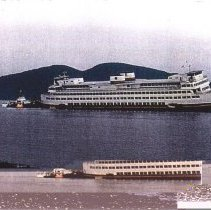 Image of Ferry HYAK grounded Shannon Pt