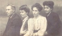 Image of Harry Rickaby + sisters