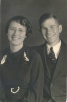 Image of 2004.050 - Jennie G. Senff and Clyde M. LeMaister - wedding day - 1932