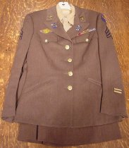 Image of 2004.060.001 - Clothing