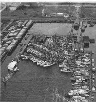 Image of 2005.094.001 - Fishing fleet-Cap Sante Marina