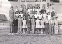 Image of 2006.041.002 - Fidalgo School class 1945-46
