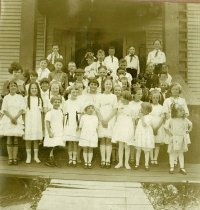 Image of Ms. Ruth Carlyle's class at Nelson School