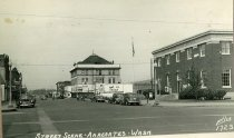 Image of 2006.060.013 - 5th and Commercial 1940s