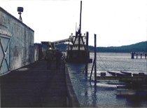 Image of WT PRESTON @ Dakota Creek dock