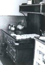 Image of 2007.010.038 - Galley stove aboard the W.T. Preston