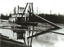 Image of SKAGIT II showing A-frame, 1909 before boom installed.