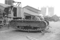 Image of Overhauling carane under carriage 1964 (.095)