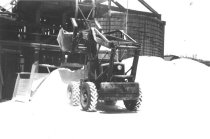 Image of Pettibone loader 1958 (.101)