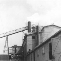 Image of Coos Mill power house building (.017)