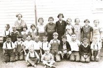 Image of Mrs. Jameson and students at Dewey School, 1936.